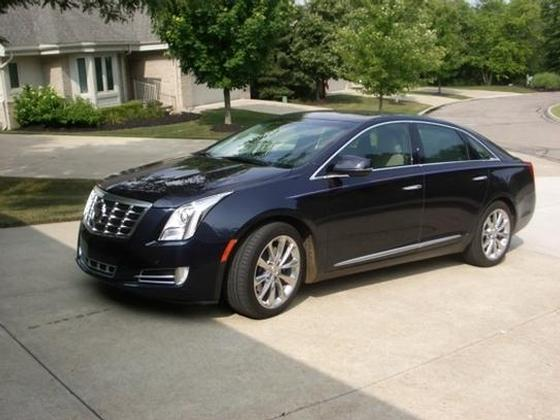 2013 Cadillac XTS Premium:6 car images available