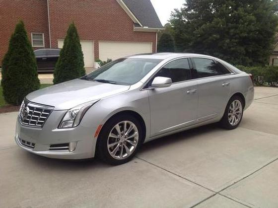 2013 Cadillac XTS Premium:4 car images available