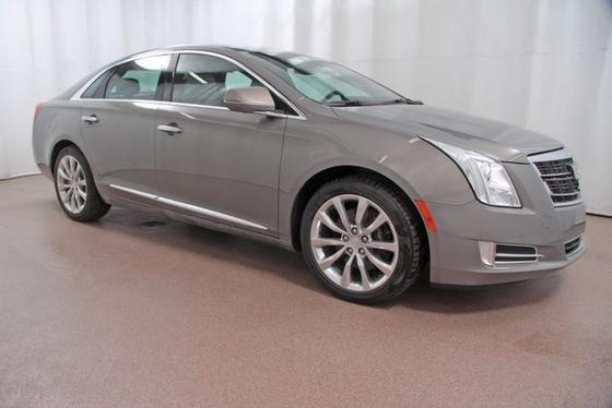2017 Cadillac XTS Premium:24 car images available