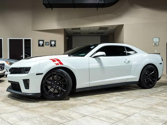 2015 Chevrolet Camaro ZL1:24 car images available