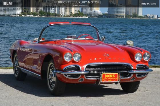 1961 Chevrolet Corvette :24 car images available