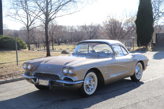 1961 Chevrolet Corvette :5 car images available