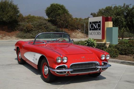 1961 Chevrolet Corvette :24 car images available