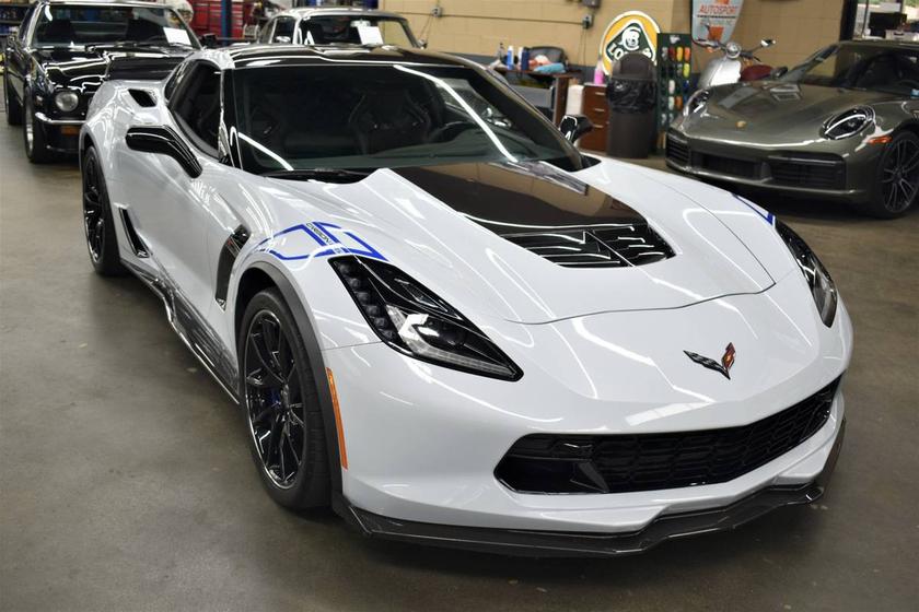 2018 Chevrolet Corvette :12 car images available