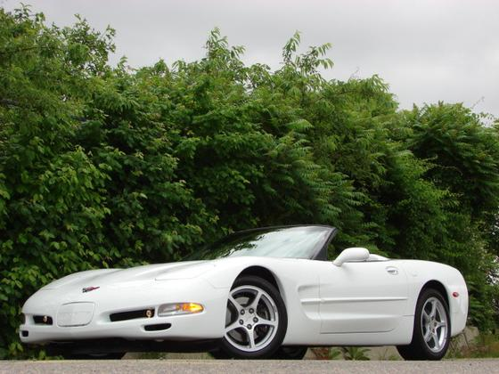 2000 Chevrolet Corvette Base:12 car images available