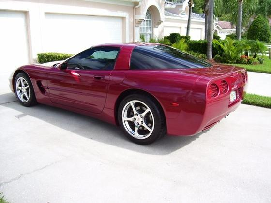 2004 Chevrolet Corvette Coupe:5 car images available