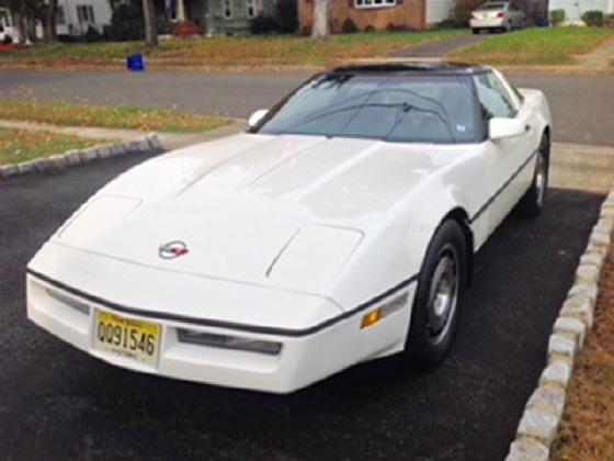 1985 Chevrolet Corvette Coupe:12 car images available