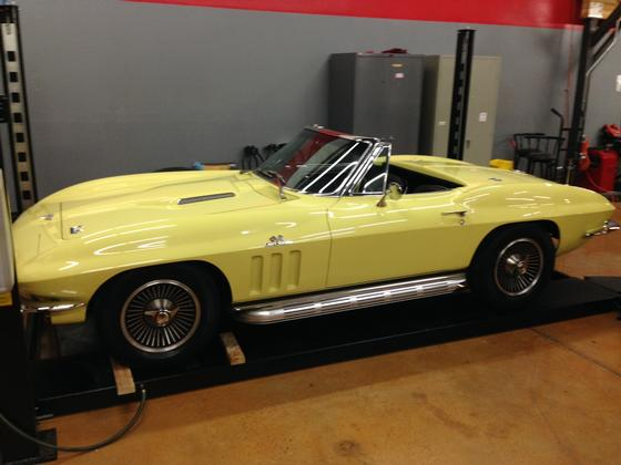 1966 Chevrolet Corvette Stingray:12 car images available