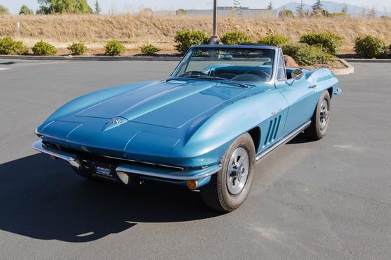 1965 Chevrolet Corvette Stingray:9 car images available