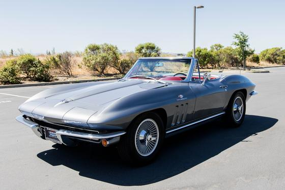 1965 Chevrolet Corvette Stingray:9 car images available