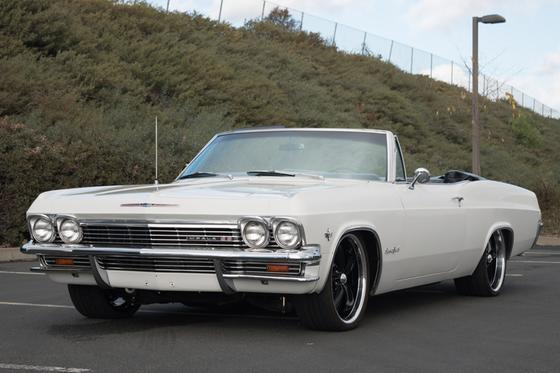 1965 Chevrolet Impala SS:9 car images available