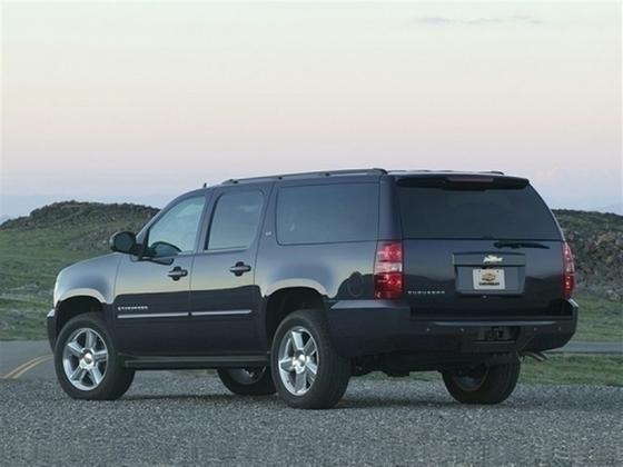 2013 Chevrolet Suburban 1500 LT : Car has generic photo