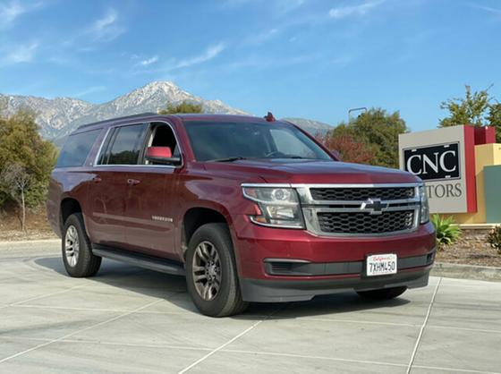 2017 Chevrolet Suburban 1500 LT:18 car images available