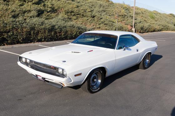 1970 Dodge Challenger R/T:9 car images available