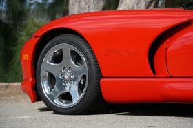 2002 Dodge Viper GTS
