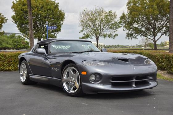 2000 Dodge Viper RT-10:24 car images available