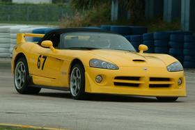 2005 Dodge Viper SRT-10:5 car images available