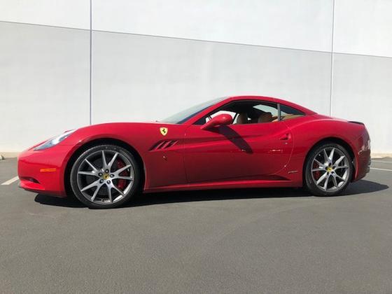 2010 Ferrari California :12 car images available
