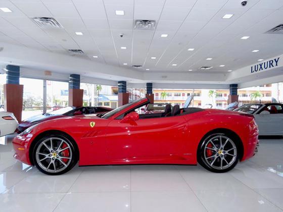 2013 Ferrari California :24 car images available