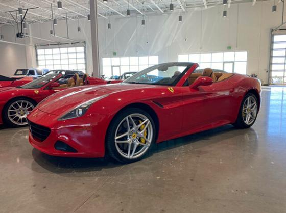 2015 Ferrari California :12 car images available