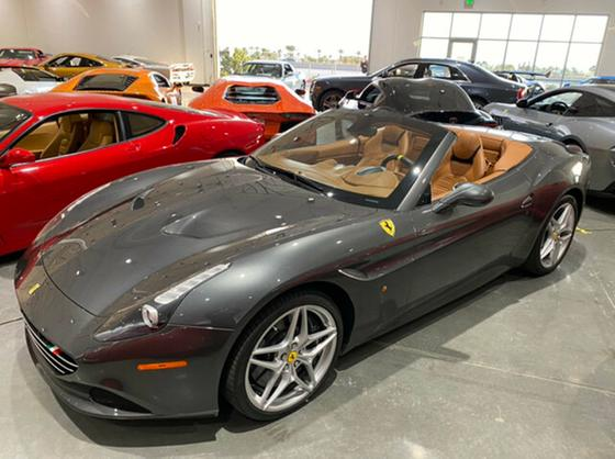 2015 Ferrari California :21 car images available