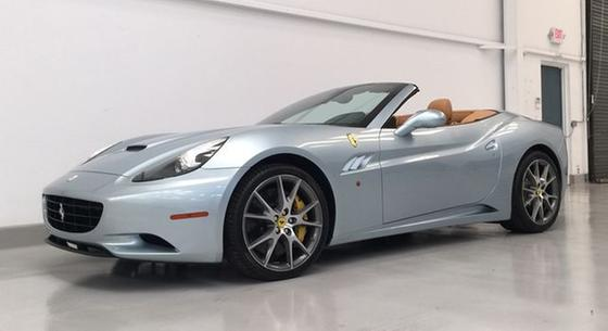 2010 Ferrari California :14 car images available