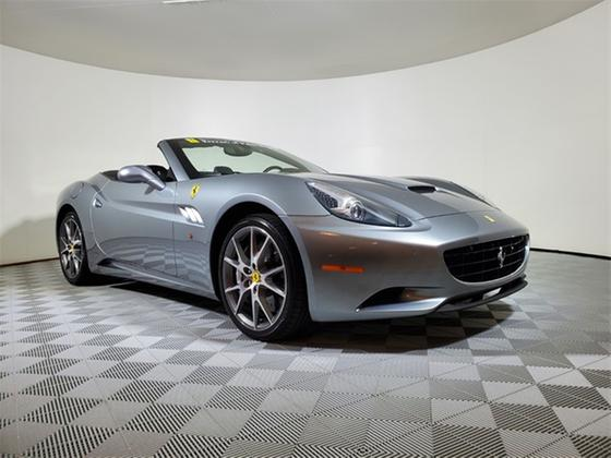 2013 Ferrari California :21 car images available