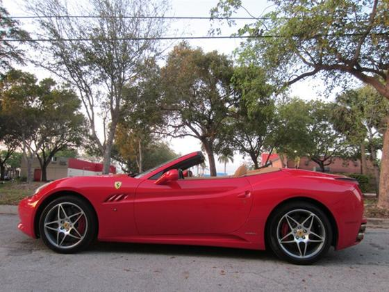 2010 Ferrari California :19 car images available