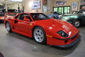 1991 Ferrari F40 :24 car images available