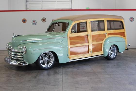 1942 Ford Classics Deluxe:9 car images available