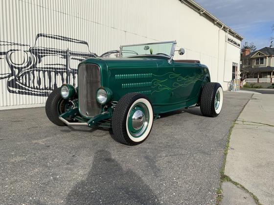 1932 Ford Classics Hi-Boy:9 car images available
