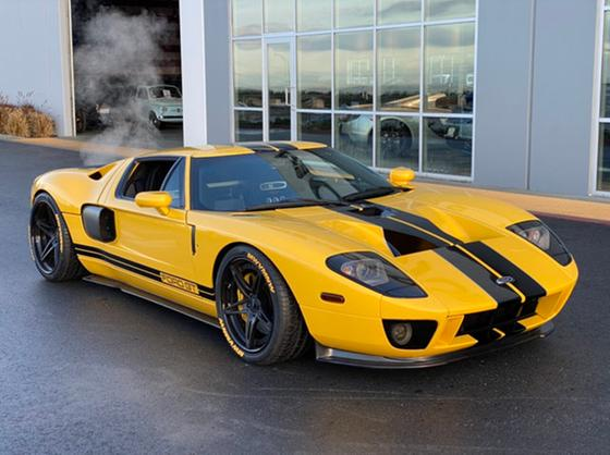 2005 Ford GT :24 car images available