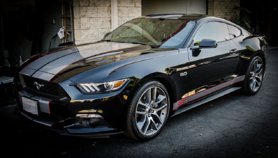 2017 Ford Mustang GT Premium:19 car images available