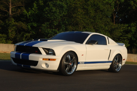 2005 Ford Mustang GT Premium:21 car images available