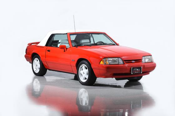 1992 Ford Mustang LX : Car has generic photo