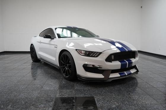 2016 Ford Mustang Shelby GT350:24 car images available