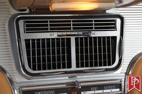 1962 Ford Thunderbird