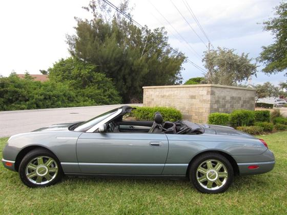 2005 Ford Thunderbird Deluxe:23 car images available