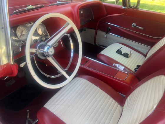 1959 Ford Thunderbird Special V8