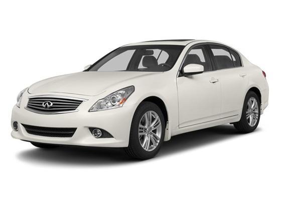 2013 Infiniti G37  : Car has generic photo