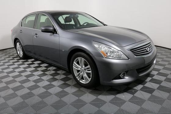 2015 Infiniti Q40 :24 car images available