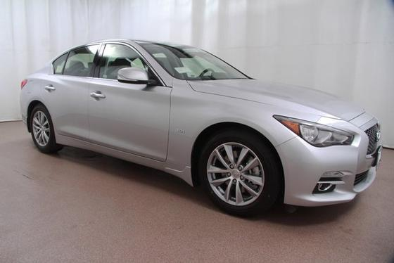 2017 Infiniti Q50 :24 car images available