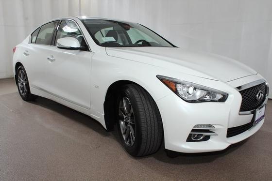 2017 Infiniti Q50 :20 car images available