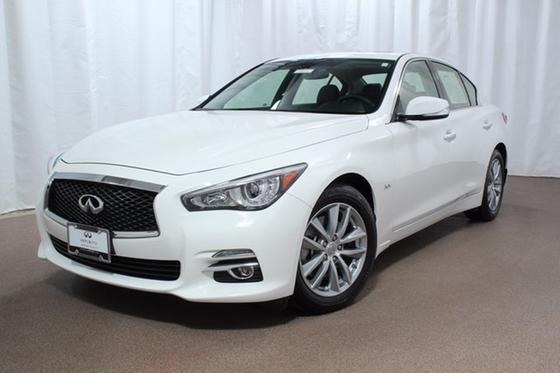 2017 Infiniti Q50 :21 car images available
