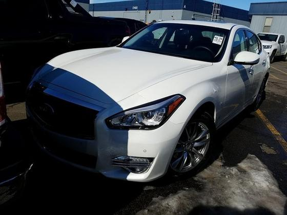 2019 Infiniti Q70 3.7X:7 car images available