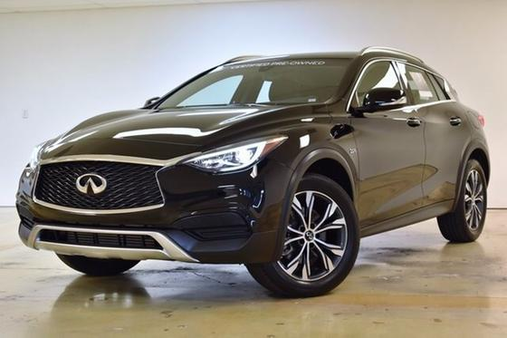 2017 Infiniti QX30 :2 car images available