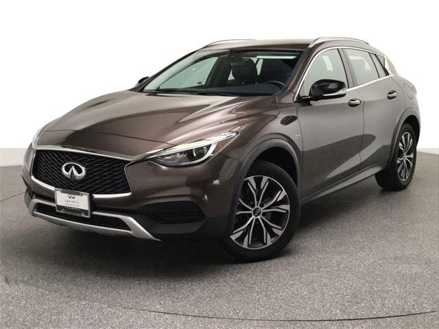 2017 Infiniti QX30 Luxury:24 car images available