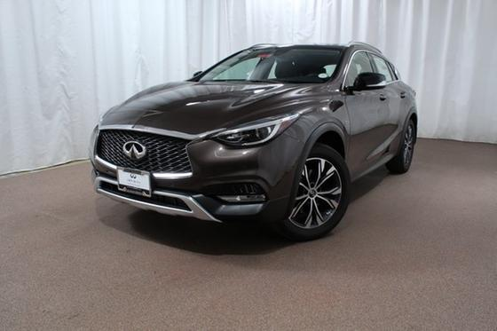 2018 Infiniti QX30 Premium:24 car images available