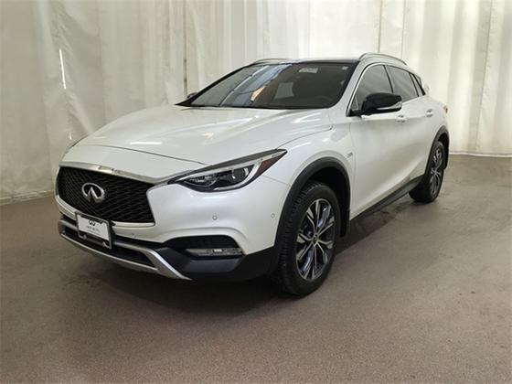 2017 Infiniti QX30 Premium:21 car images available