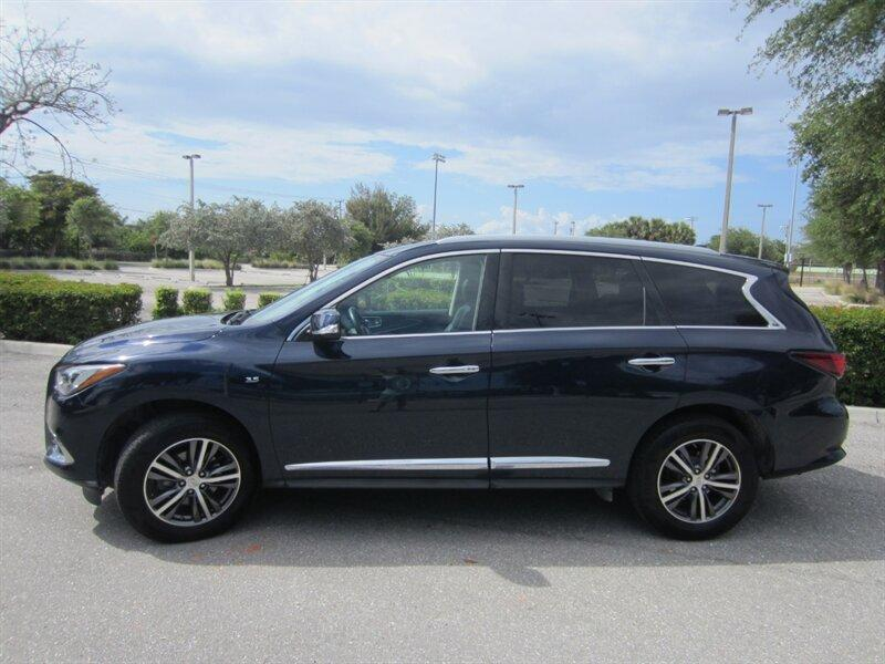 2018 Infiniti QX60 :18 car images available